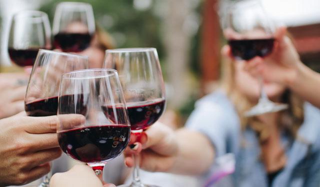 Cómo elegir los vinos para una reunión de amigos